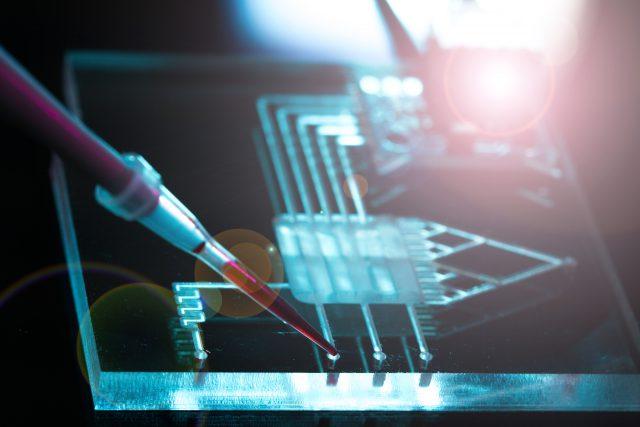¿Cómo la nanotecnología contribuye a detectar el cáncer de pulmón?